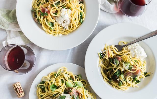 Hvilken gæstemad til hovedret skal du servere?